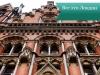 Чудесные старинные дома, огромнейшие музеи, особенная атмосфера – все это Лондон.