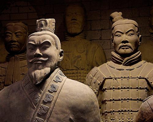 terrakotovaya armiya pervyiy imperator Kitaya Цинь Шихуанди   первый император Китая